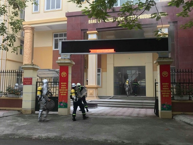 Lực lượng Cảnh sát PCCC nhanh chóng có mặt tổ chức dập lửa