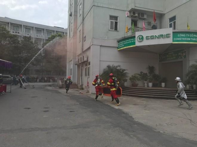 Lực lượng cứu nạn nhanh chóng tiếp cận khu vực có người bị nạn