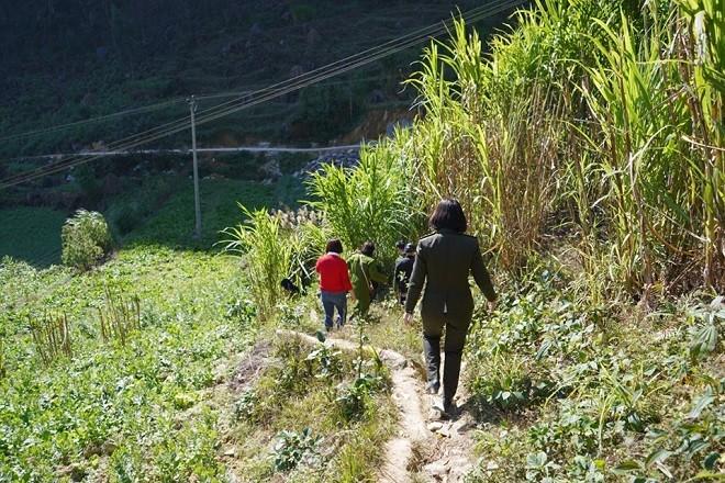 Những con đường dẫn vào điểm trường của huyện Đồng Văn