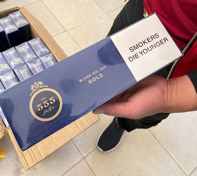 Thuốc lá 555 nhập lậu bị thu giữ