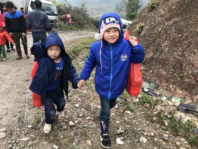 Nụ cười của trẻ em ở xã Hưng Đạo