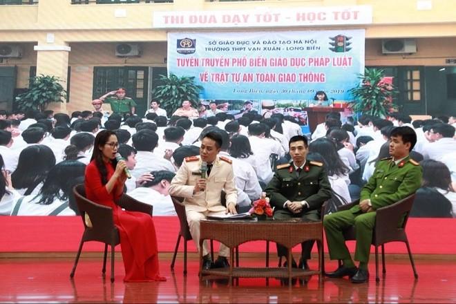 Giao lưu gặp gỡ các thế hệ cán bộ phụ nữ, đoàn thanh niên CAQ Long Biên