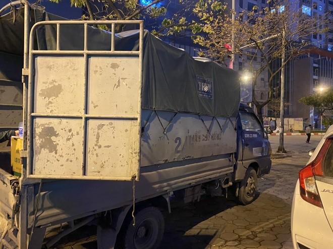 Chiếc xe tải chở số lượng lớn khẩu trang