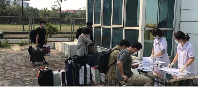 9 công dân Hàn Quốc hoàn thành cách ly tại Bệnh viện CATP Hà Nội