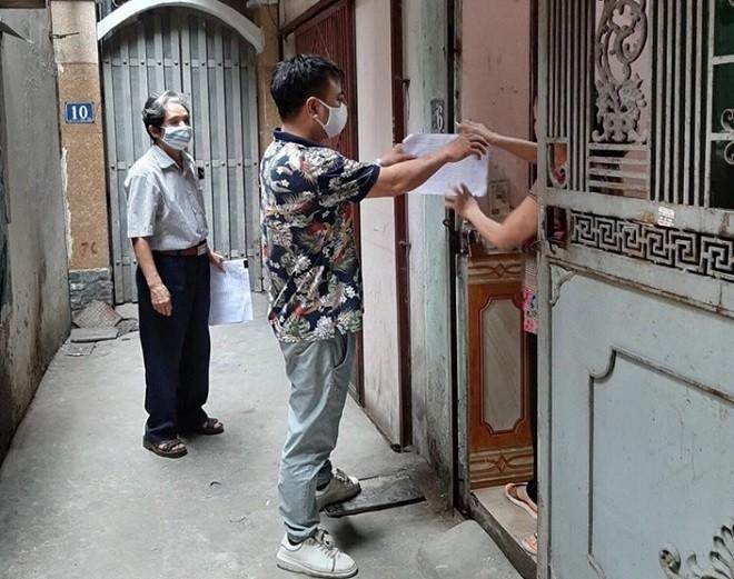 Người dân cùng chính quyền quận Thanh Xuân đồng lòng phòng chống dịch Covid 19