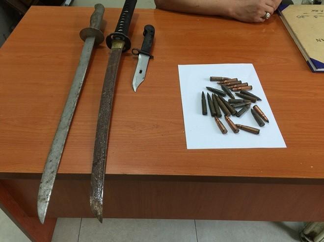 Nhiều vũ khí thô sơ, súng đạn được thu hồi góp phần đảm bảo an ninh trật tự địa bàn