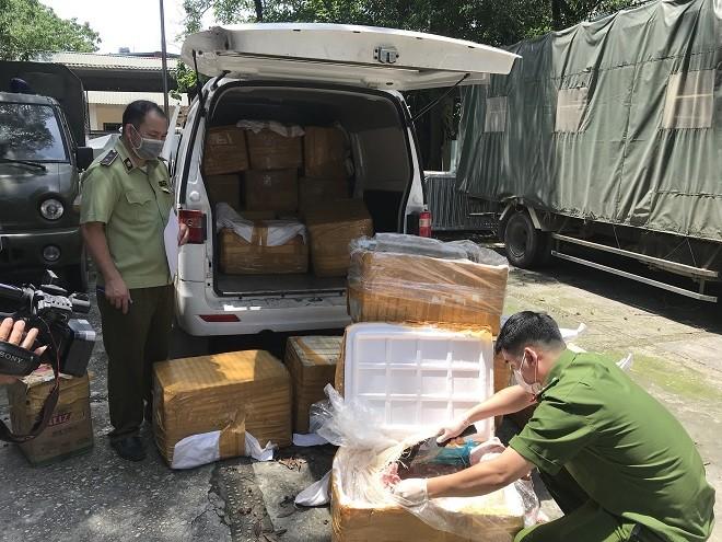 Lực lượng chức năng đã tạm giữ toàn bộ số hàng hóa để xử lý theo quy định
