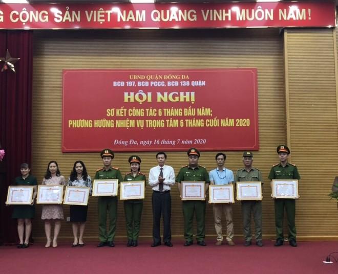 Các đơn vị có thành tích xuất sắc được UBND quận Đống Đa khen thưởng