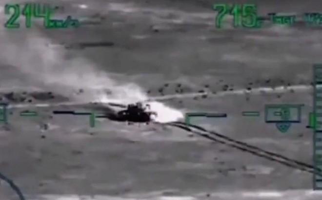 """[ẢNH] """"Thợ săn đêm"""" Mi-28N hủy diệt xe tăng khủng bố IS trong vỏn vẹn 10 giây ảnh 14"""