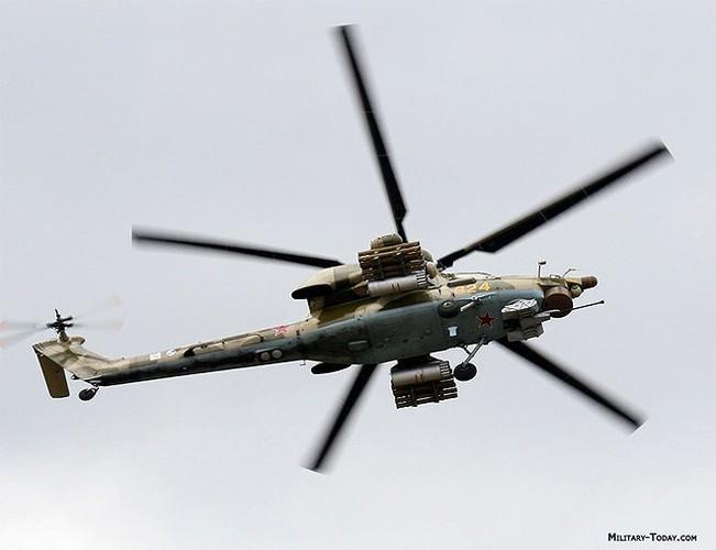 """[ẢNH] """"Thợ săn đêm"""" Mi-28N hủy diệt xe tăng khủng bố IS trong vỏn vẹn 10 giây ảnh 17"""