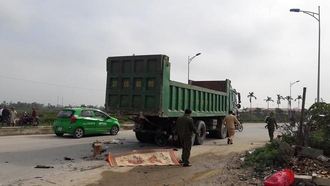 Ôtô tải tông xe máy, người đàn ông tử vong tại chỗ ảnh 1