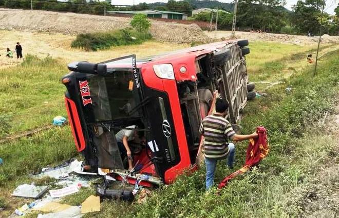 Chiếc xe giường năm hư hỏng hoàn toàn sau vụ tai nạn