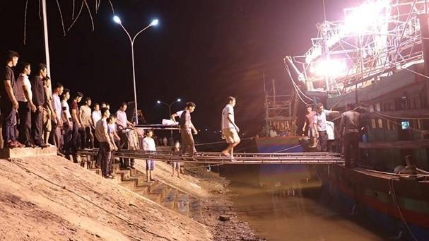 Nam thanh niên đánh cá trên biển thì bị sào va vào đầu dẫn đến tử vong ảnh 1