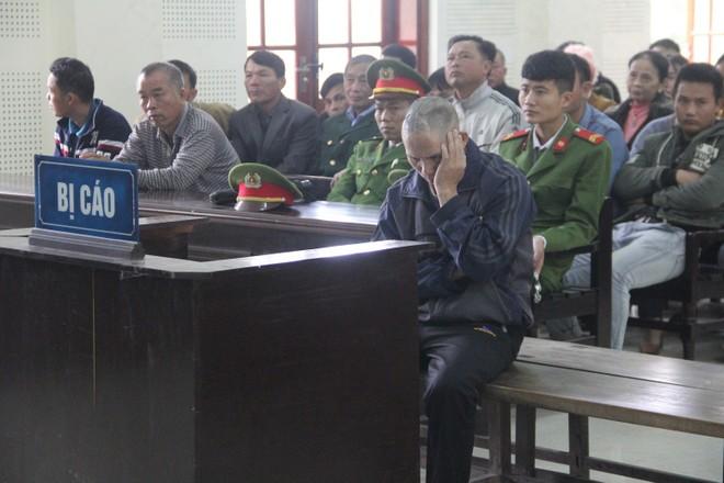 Nguyễn Bá Chín trong phiên xét xử