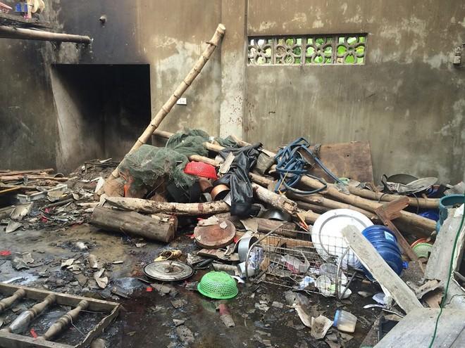 Tất cả đồ dùng trong nhà đều hư hỏng nặng sau cú nổ kinh hoàng