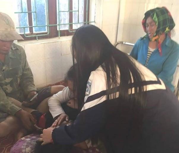 Vào khoảng 14h ngày 26-12, gia đình phát hiện Và Bá Dờ (SN 1998) trú bản Phà Khốm, xã Tri Lễ có nhiều biểu hiện của việc bị ngộ độc lá ngón. Người thân nhanh chóng đưa Dờ vào bệnh viện cấp cứu nhưng do ngộ độc nặng nên nạn nhân đã tử vong.