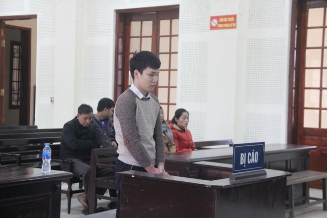 Phan Anh Tuấn trong phiên xét xử