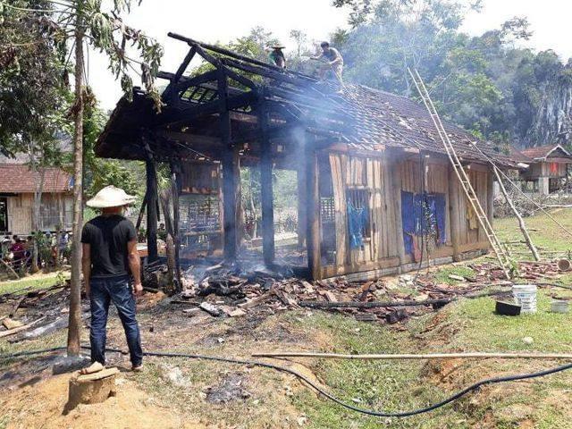 Ngôi nhà bị lửa thiêu trụi