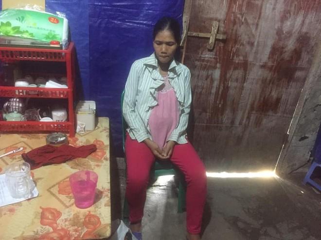 Chị Xeo Thị Thanh đã tìm thấy người thân của mình nhờ dòng thông tin được đăng tải trên facebook