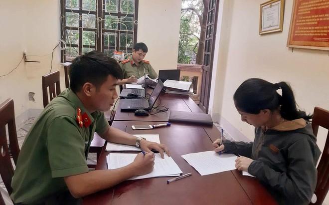 Hoàng Thị P. làm tường trình về sự việc tại cơ quan công an