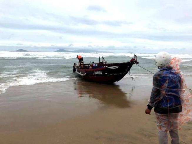 Tìm thấy thi thể người đàn ông mất tích trên biển khi đi đánh cá cùng con trai