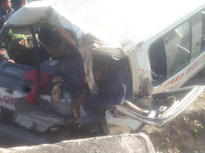 Chiếc xe gặp nạn khiến 3 người tử vong đã hết hạn đăng kiểm nhiều năm qua