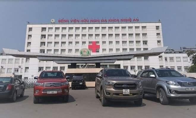 Tá hỏa phát hiện thi thể bệnh nhân trên mái nhà bệnh viện ở Nghệ An ảnh 2
