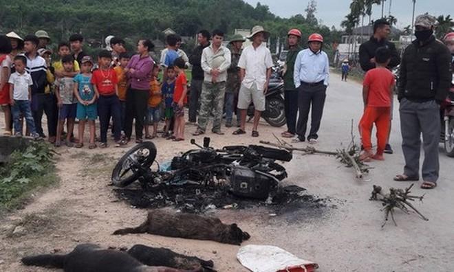 Nơi chiếc xe máy của hai nạn nhân bị thiêu rụi