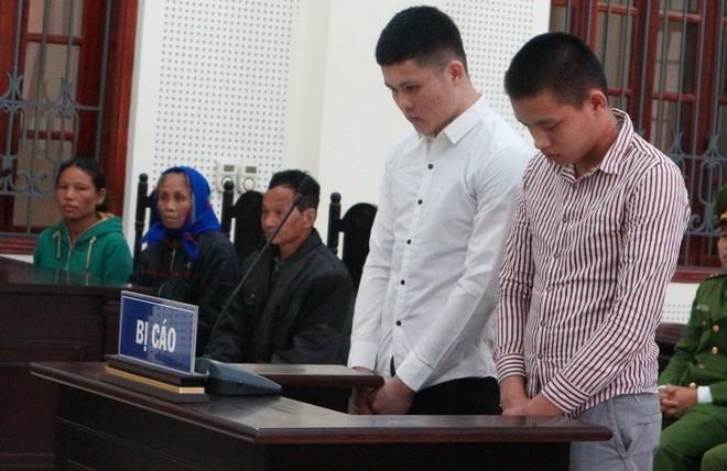 Hồng và Triều trong phiên xét xử