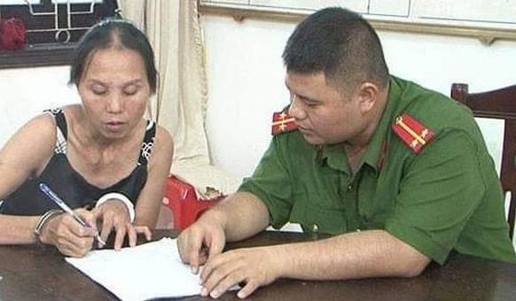Phạm Thị Phú tại cơ quan công an