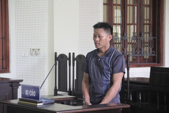 Thò Tồng Mùa trong phiên xét xử