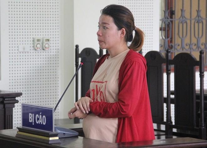 Nguyễn Thị Thắm trong phiên xét xử