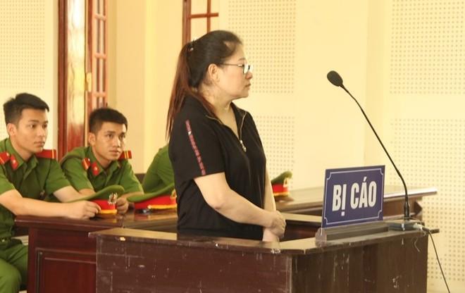 Nguyễn Thị Hòa trong phiên xét xử