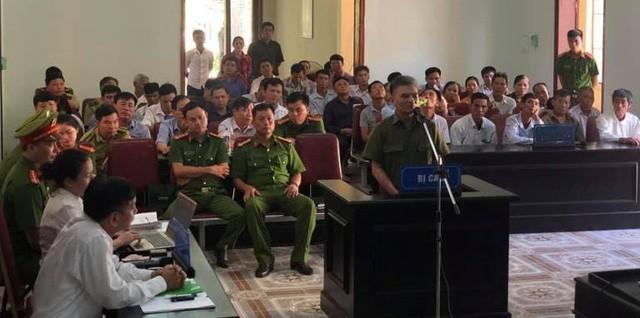 Bị cáo Hà Trúc trong phiên xét xử (ảnh: T. Linh)