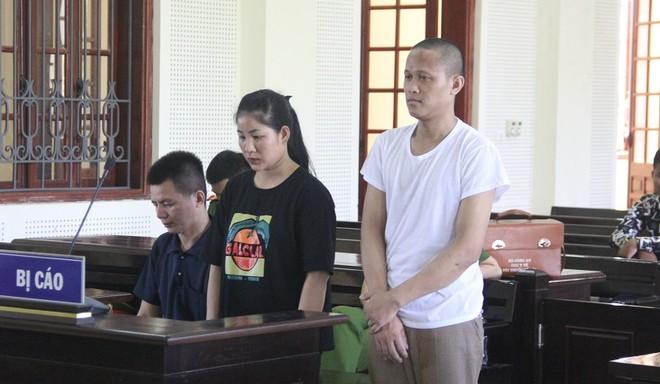 Búa và đồng bọn trong phiên xét xử