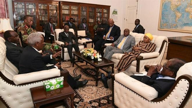 Cuộc gặp giữa Tổng thống Robert Mugabe và tướng lĩnh quân đội có sự tham gia của 2 đặc phái viên do Nam Phi cử đến