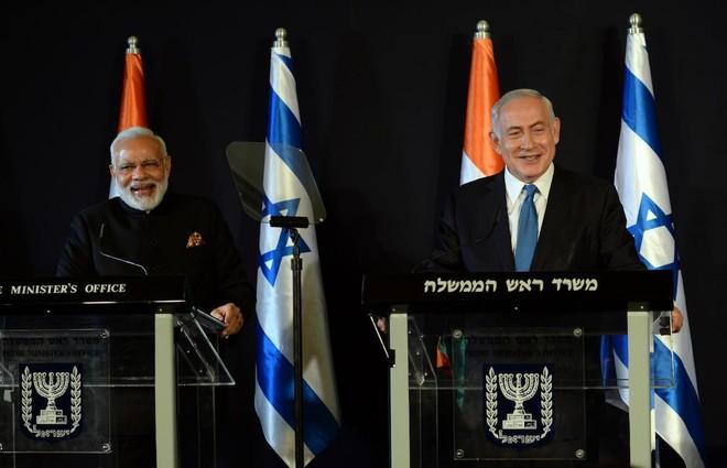 Thủ tướng Israel Benjamin Netanyahu và Thủ tướng Ấn Độ Narendra Modi trong cuộc họp báo chung tại Jerusalem vào ngày 5-7-2017