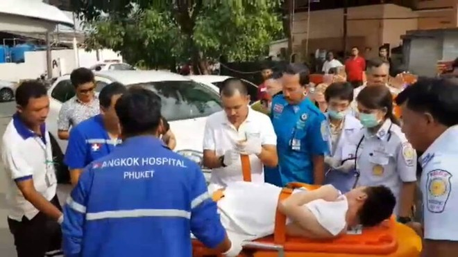 Bệnh viện trên đảo Phuket tiếp nhận người bị thương trong vụ nổ xuồng