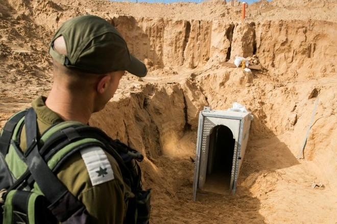 Cửa vào một đường hầm các tay súng phong trào Hamas đào vào lãnh thổ Israel