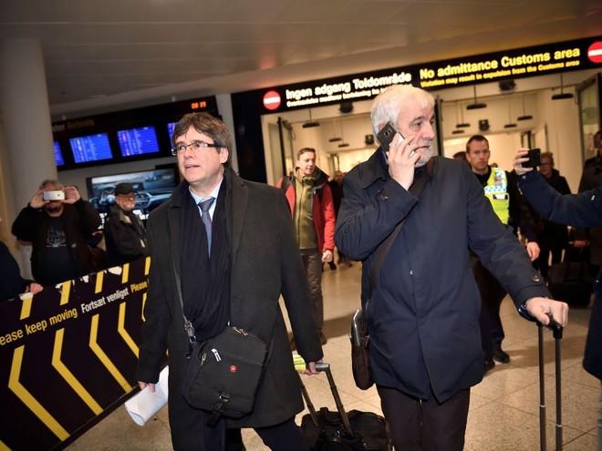 Cựu Thủ hiến Puigdemont tại sân bay Copenhaghen, Đan Mạch