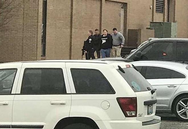 Xả súng tại trường học ở Mỹ, ít nhất 19 người thương vong ảnh 2
