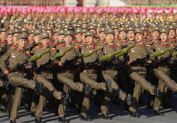 Lực lượng bộ binh Triều Tiên trong một lễ duyệt binh