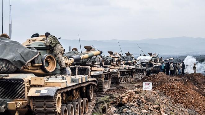 Quân đội Thổ Nhĩ Kỳ gần biên giới Syria tại Hassa, tỉnh Hatay vào ngày 21/1