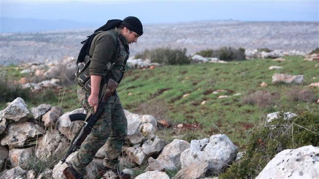 Một tay súng người Kurd tại thị trấn Rajo thuộc Afrin, miền bắc Syria
