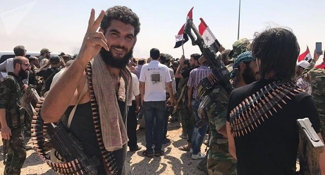 Quân đội chính phủ Syria mừng chiến thắng tại khu vực phía nam Damascus