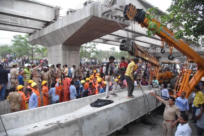Sập cầu vượt bê tông tại Ấn Độ, 12 người thiệt mạng ảnh 3