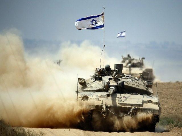 Xe tăng quân đội Israel trong cuộc tập trận