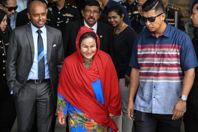 Bà Rosmah Mansor tại trụ sở Ủy ban Chống tham nhũng Malaysia (MACC)