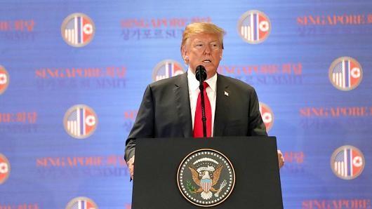 Tổng thống nói về vấn đề Iran trong cuộc họp báo tại Singapore