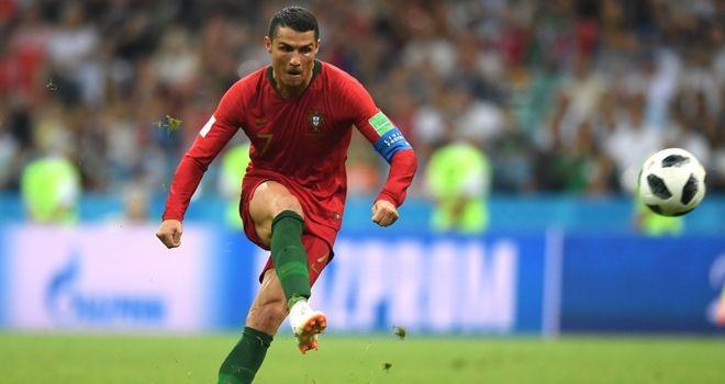 Pha ghi bàn sân bằng tỉ số 3-3 trong trận gặp Tây Ban Nha đưa Cristiano Ronaldo vào lịch sử World Cup